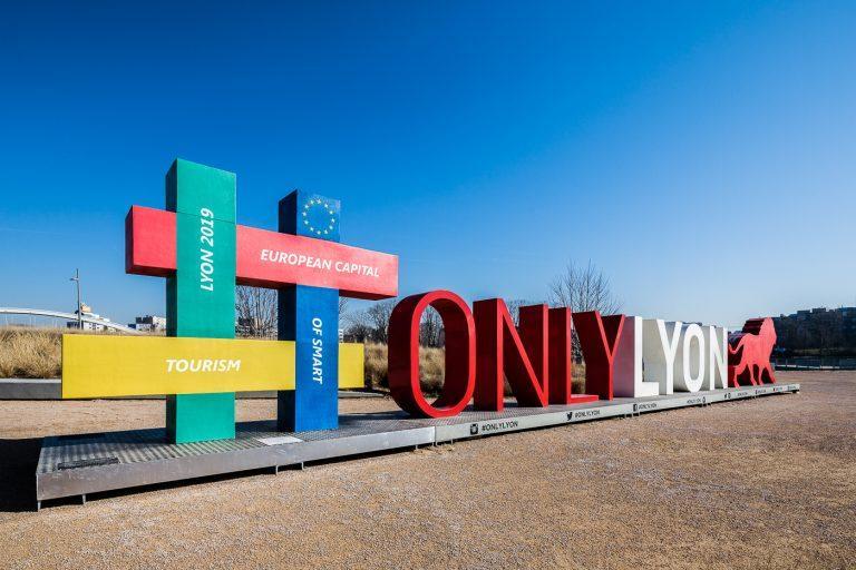 Lyon hashtag sculpture